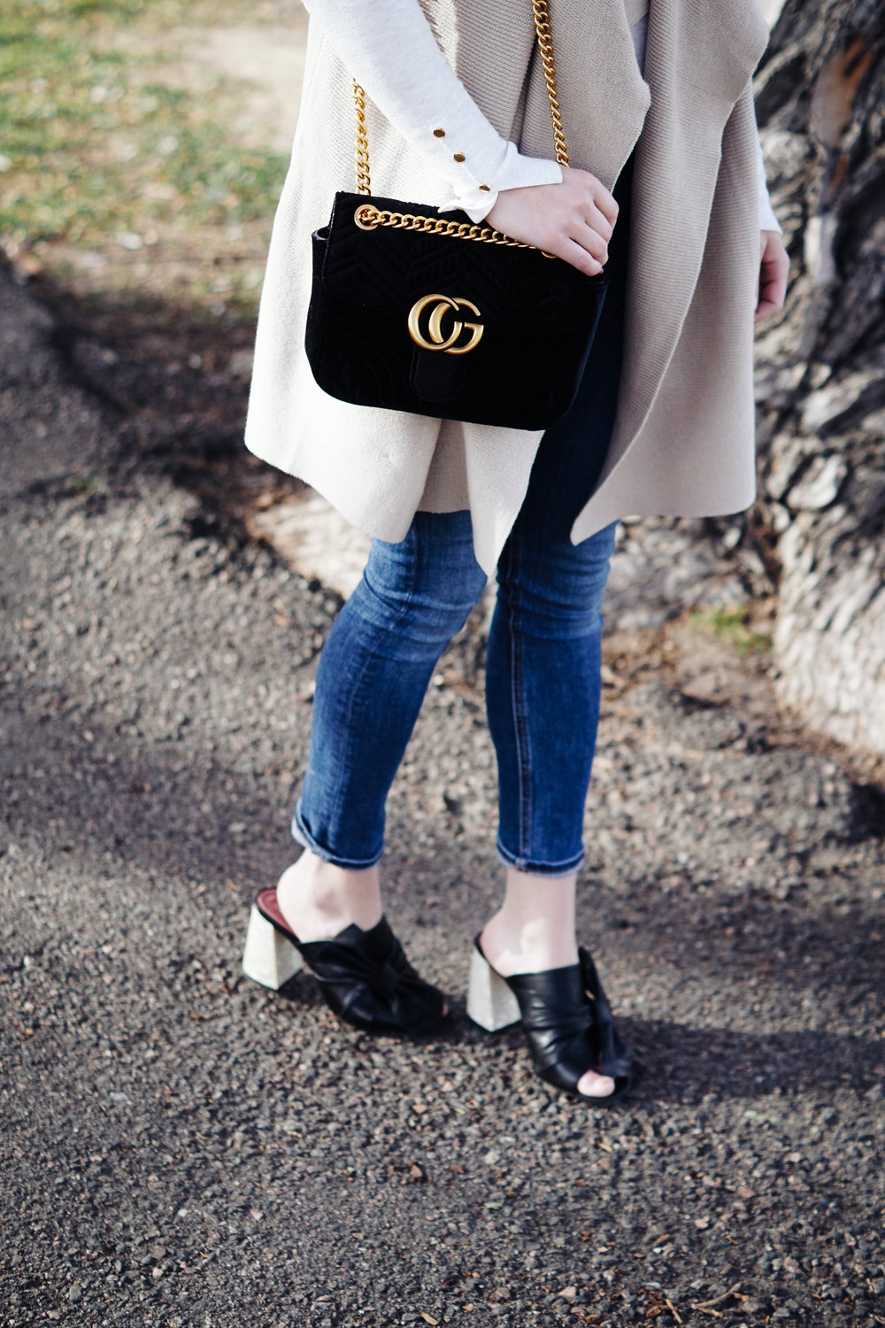 "<img src =""topshop-prosecco-square-toe-mule.jpg"" alt = ""how-to-style-heels-for-everyday-wear"">"