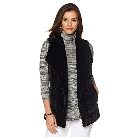 liz-lange-faux-fur-vest-d-2016081613584353~491636_FXJ.jpg