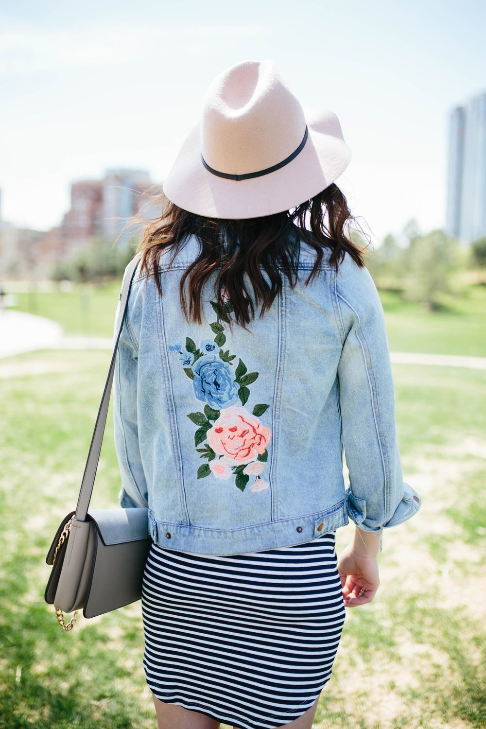 "<img src = "" two-ways-to-wear-it-bodycon-dress.jpg"" alt =""two-ways-to-wear-it-bodycon-dress-casual-rose-gold-adidas-embroidered-denim-jacket"""