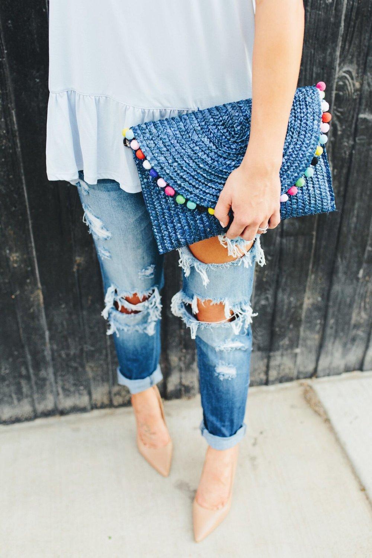 """<img src =""""how-to-wear-boyfriend-jeans.jpg"""" alt = """"detail-shot-of-boyfried-jeans-styled-with-same-edelman-hazel-pump-and-a-pompom-clutch"""">"""