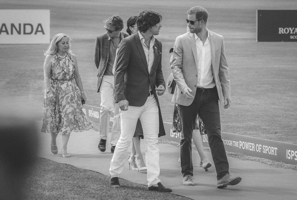 Nacho & Harry Walk the Red Carpet