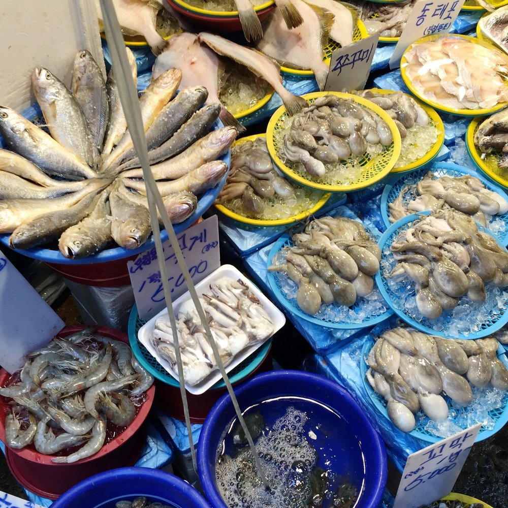 A solid selection at a Seoul fish market.