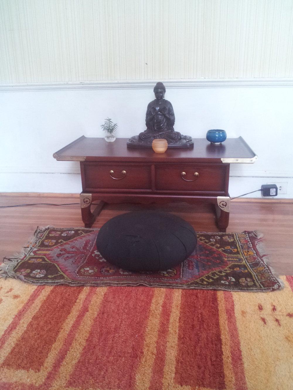 altar-2-roate.jpg