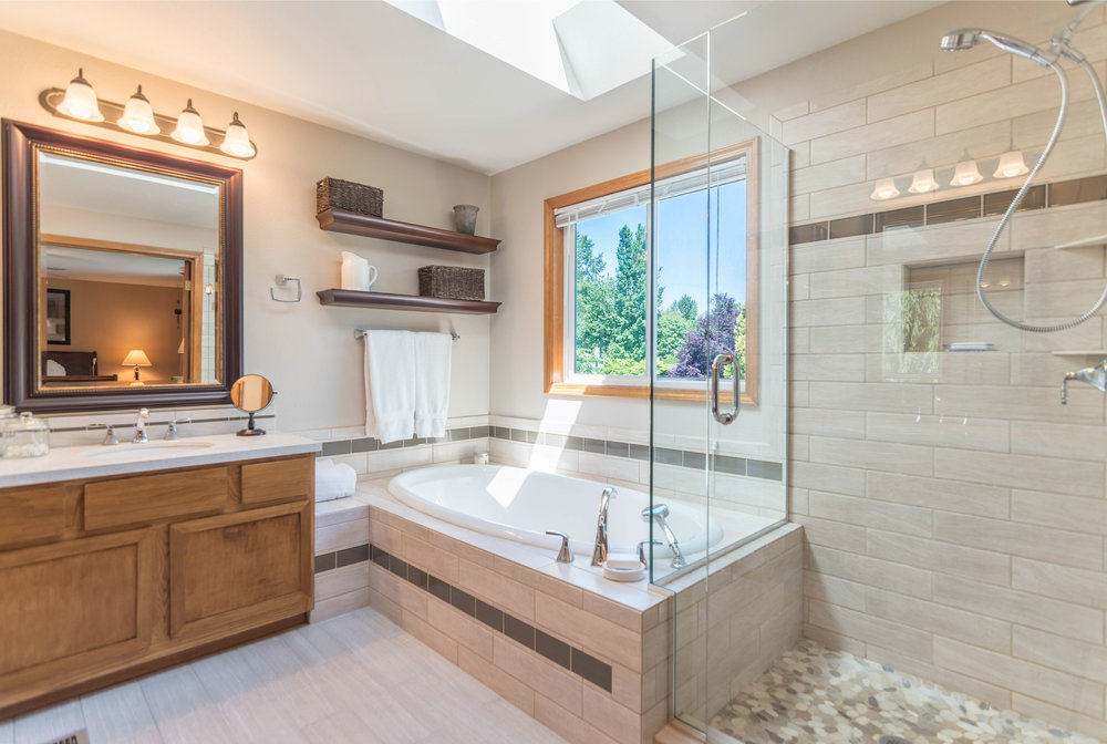 11830 Meridian Pl SE Master Bath 2.jpg
