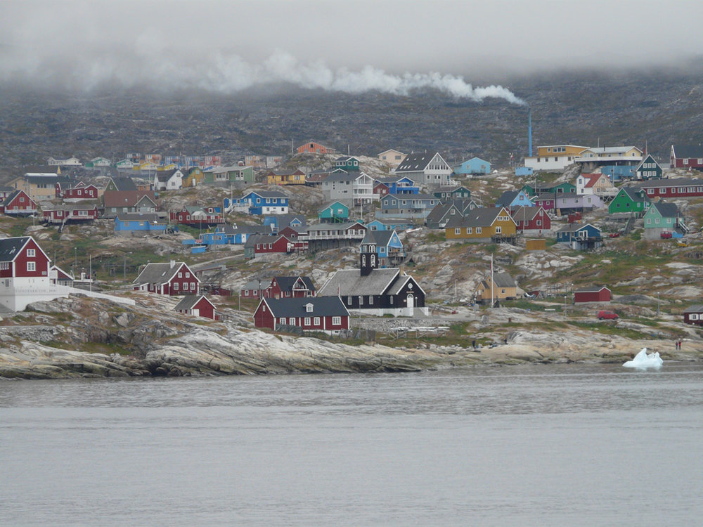 approaching Ilulissat from the bay