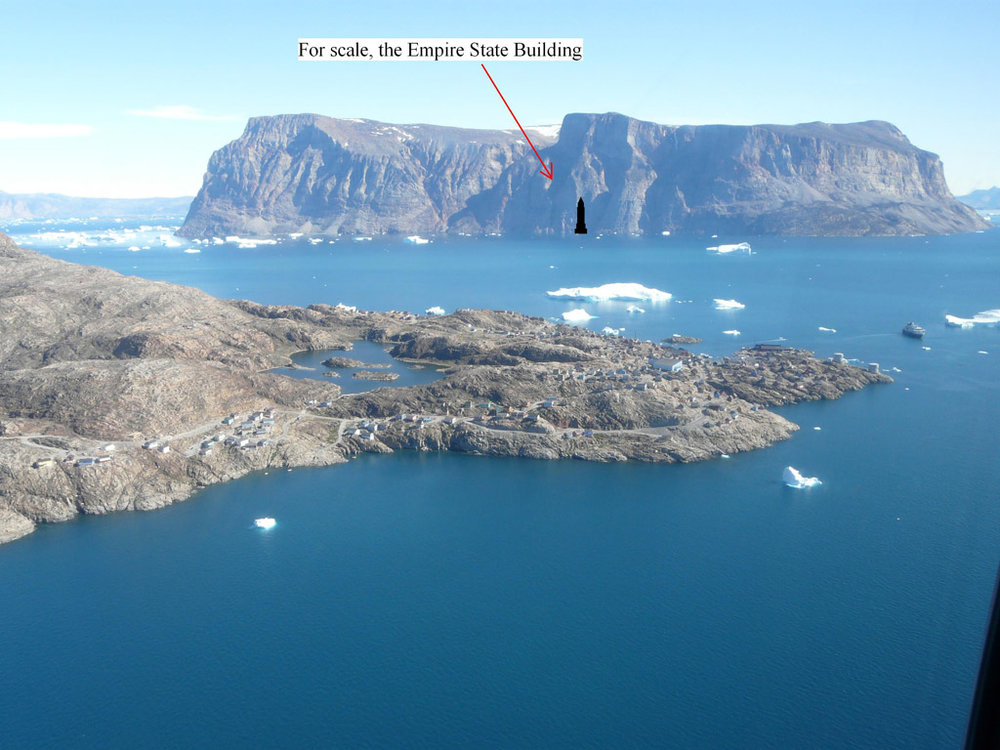 The enormous islands surrounding Uummannaq look deceptively close