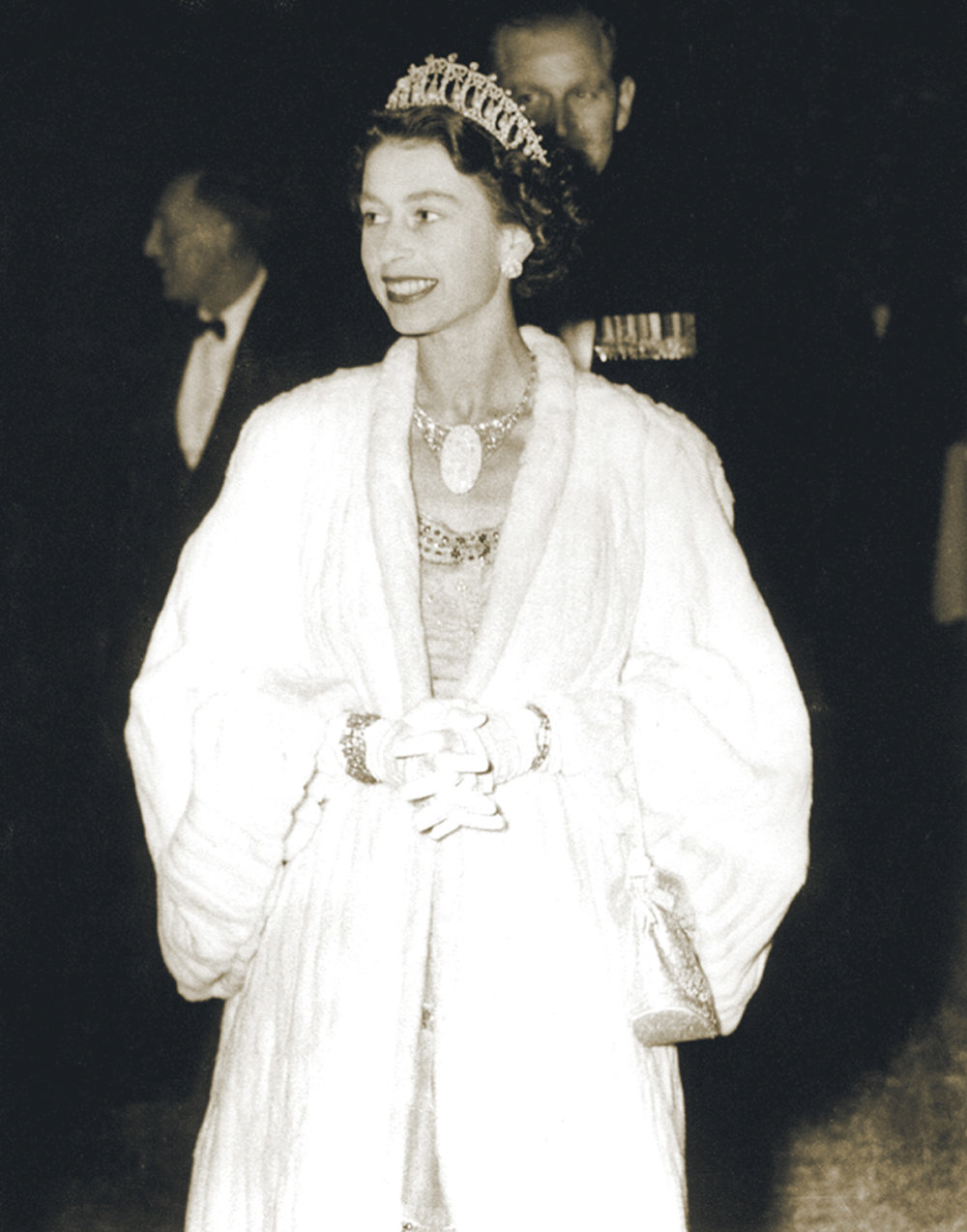 Queen Elizabeth II wearing the Andamooka Opal