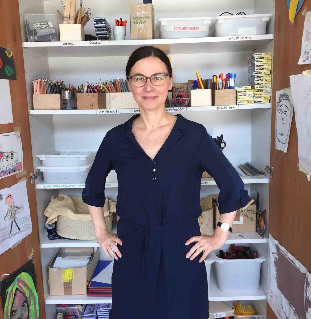 Dunja Schneider, die Leiterin der Kulturvermittlung von Lentos und Nordico, im Donauatelier des Lentos.