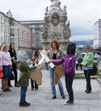 Austria Guide Ute Sailer bei einer Kikuli-Führung.