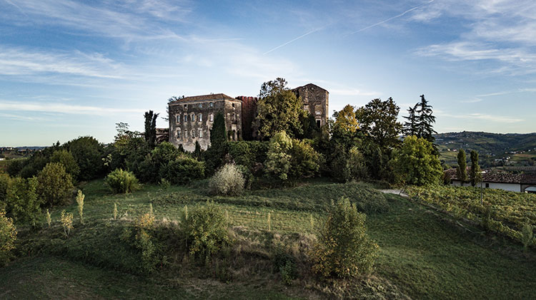 Zur_heiteren_Forelle_Castel_Burio_Piemont_750px.jpg
