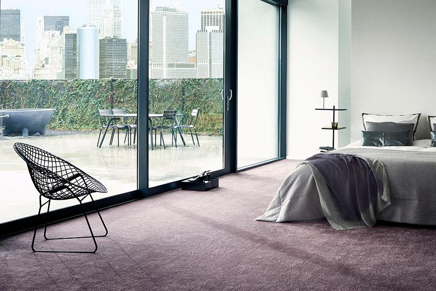 Illusion - Mjuk, normaltjock Saxony-matta i 100 % polyamid.Vi lagerhåller en nyans ur denna kollektion.