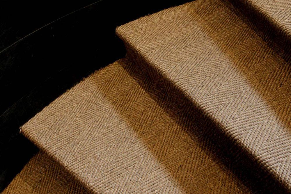 Habanna - Mönstervävd, slitstark naturfiber-matta i 100 % Sisal.Vi lagerhåller tre olika nyanser ur denna kollektion.