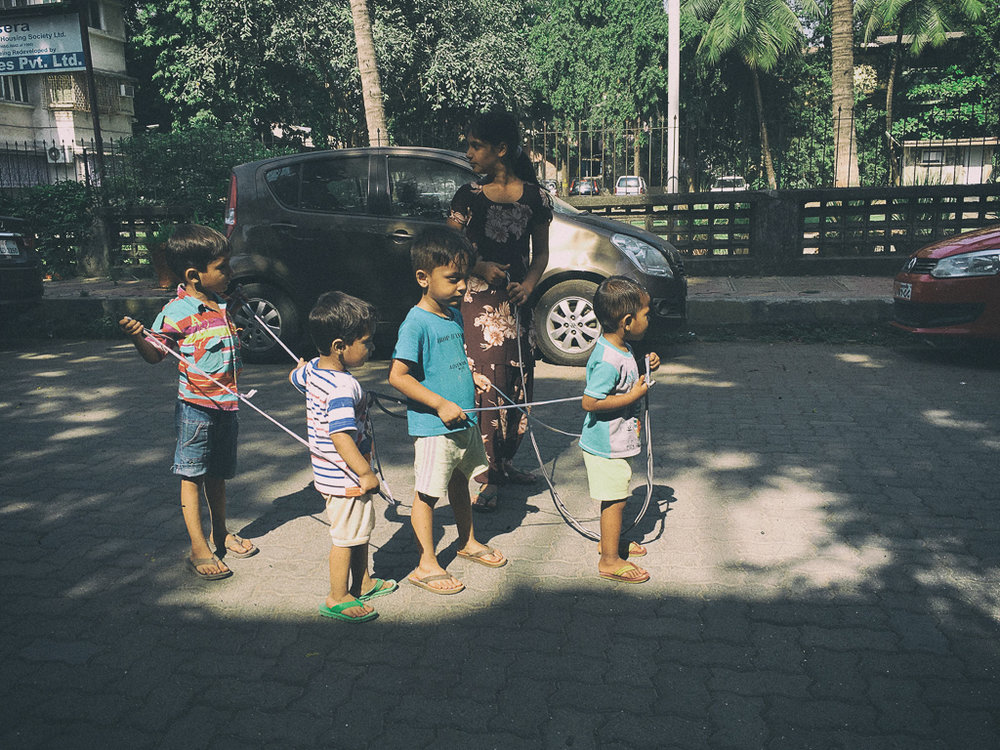 Every neighbourhood has a helpful Didi. Chembur, Mumbai