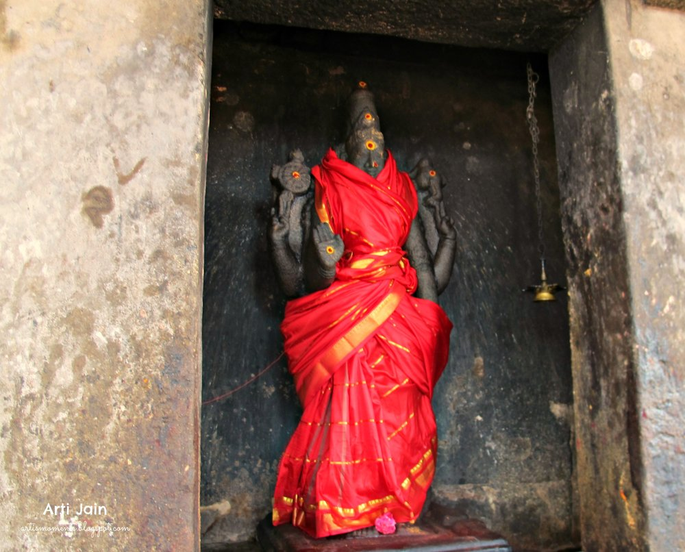 The Goddess at Brihadeswara: haldi, kumkum and Kanchivaram