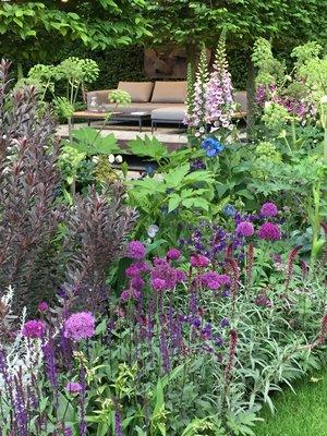 Roz Cochrane Garden Design on