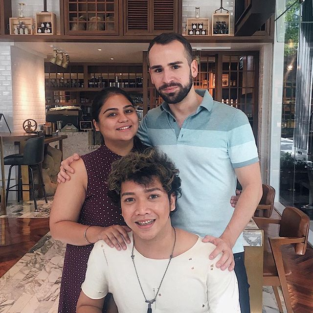 Brunching with @nandinisachdev and @isalhisalh at @bangkoktradingpost