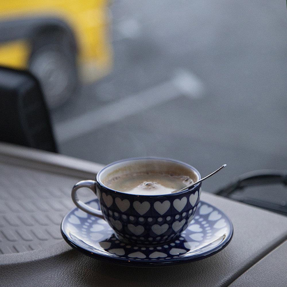 kopje koffie in de vrachtwagen