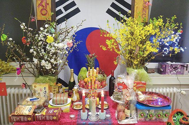 Asiatisches Neujahr . . . . #taekwondo #taeguk #taeguktaekwondo #wandsbek #hamburg #sportschule #kampfkunst #kampfsport #kup #dan #korea #kukkiwon #tradition #martialarts #kiap #dobok #dojang #sports #trainer #lehrer #sabomnim #poomsae #kampf #kultur #newyear #altar