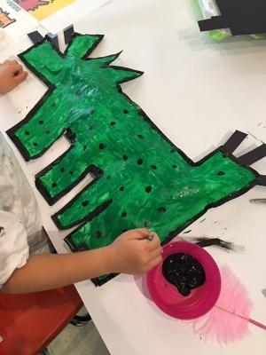 Keith Haring-inspired Pop Art paper sculpture!