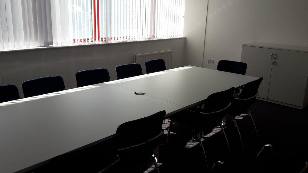 Office Furniture12.jpg