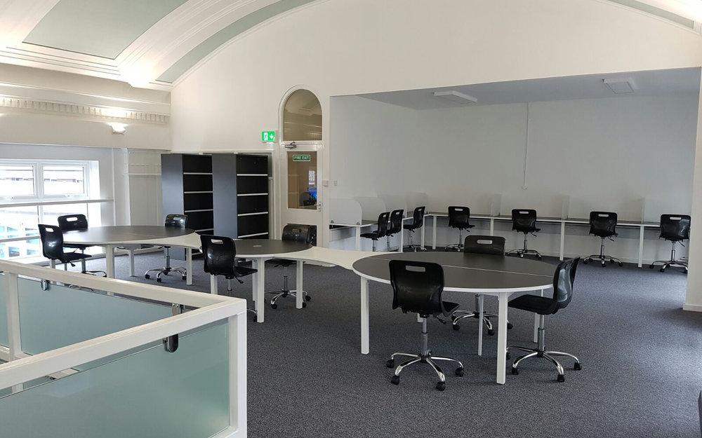 Office Furniture11.jpg