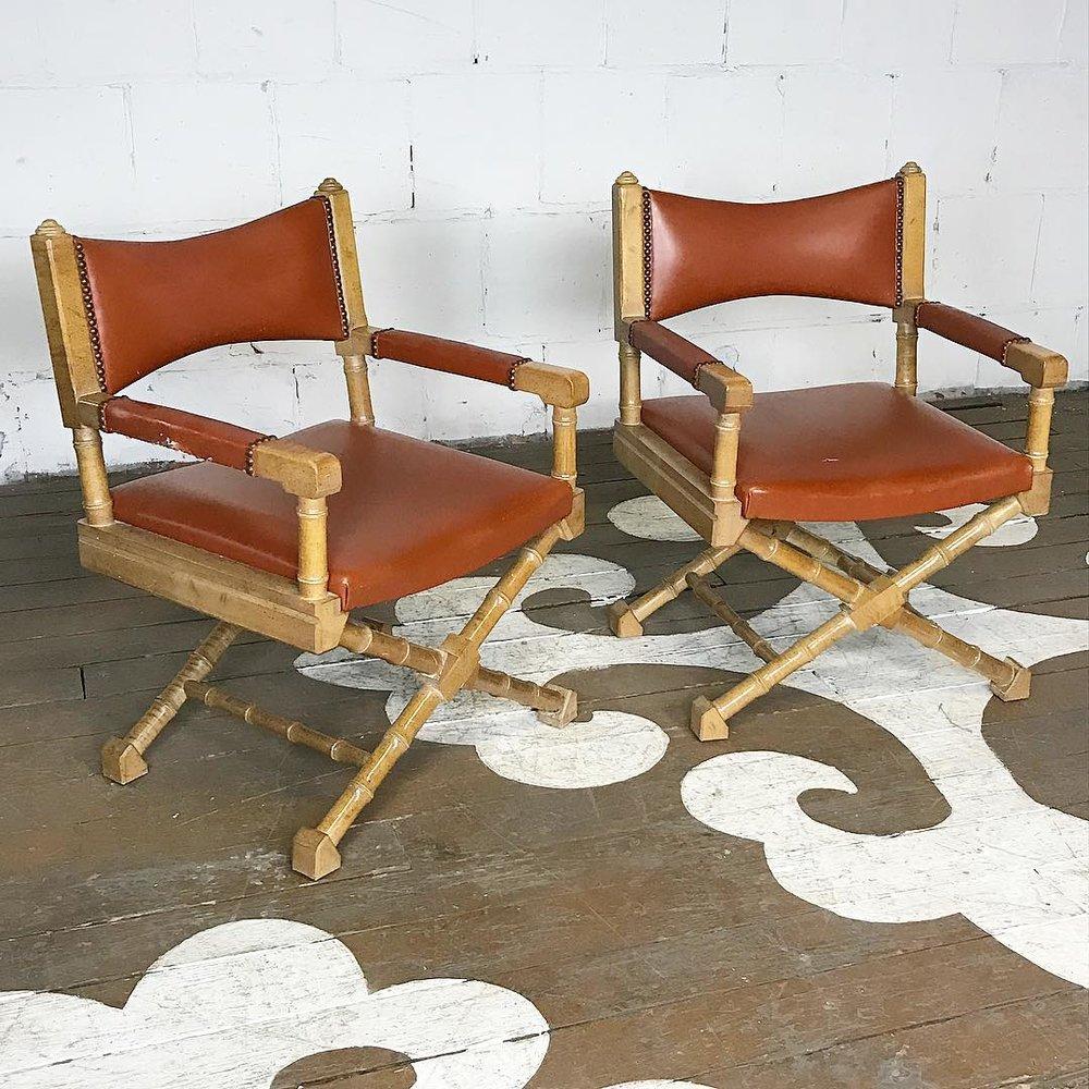 Charmant Vintage Armchairs