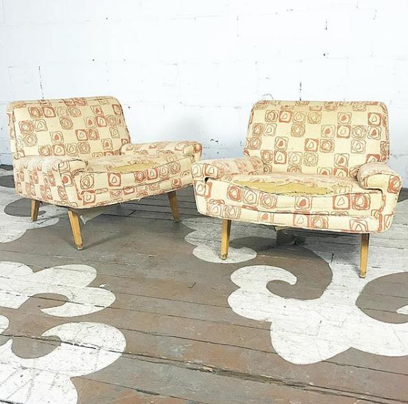 Merveilleux Mid Century Modern Futorian Slipper Chairs