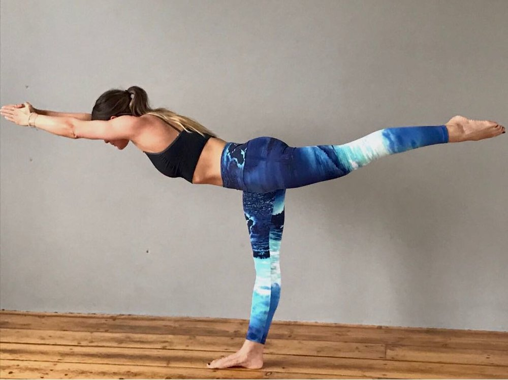 Grace working on stability and balance in her Moov leggings | Grace Brown Fitness