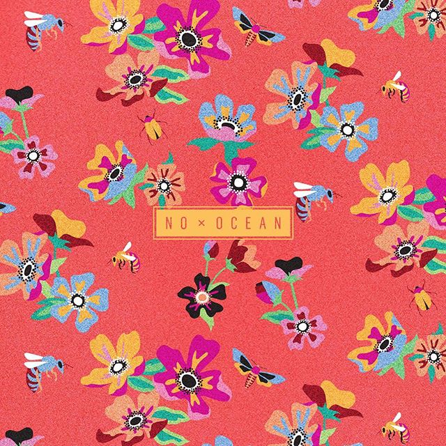summer floral 🌺🌿🐝 #surfacepattern #nooceanco #surfacedesign #patterndesign #textiledesign #pattern