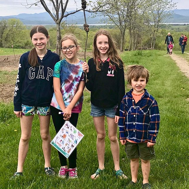 Search & Finds are fun for all ages! 📸: @megberlin . . . . #searchandfind🔎 #searchandfindadventures #charlottevt #vermontbyvermonters #explorevermont #explore #ilovermont #adventure #scavengerhunt #takeahike #gooutside #woods #nature #childhoodunplugged