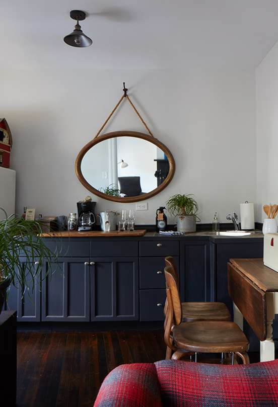 The Anne Marie Suite - sink and coffee bar