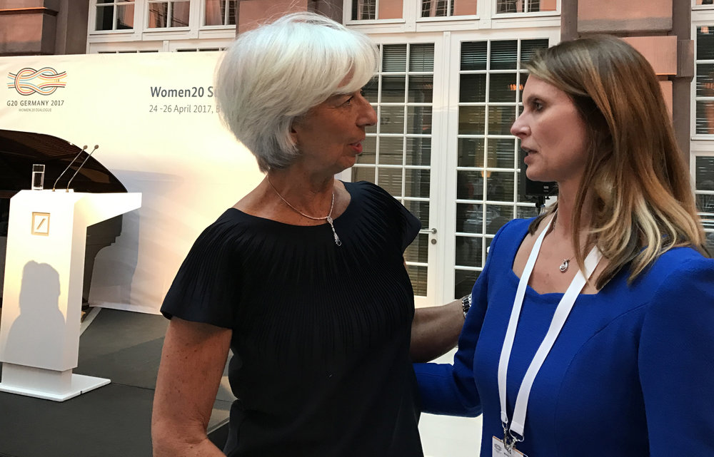 Jennifer Bisceglie (right) talking with Christine Lagarde, head of the IMF