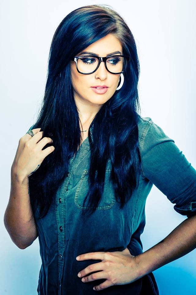 Jessica Meuse - From Slapout Alabama, Jessica is a talented singer/songwriter and top 4 finalist on American Idol season 13