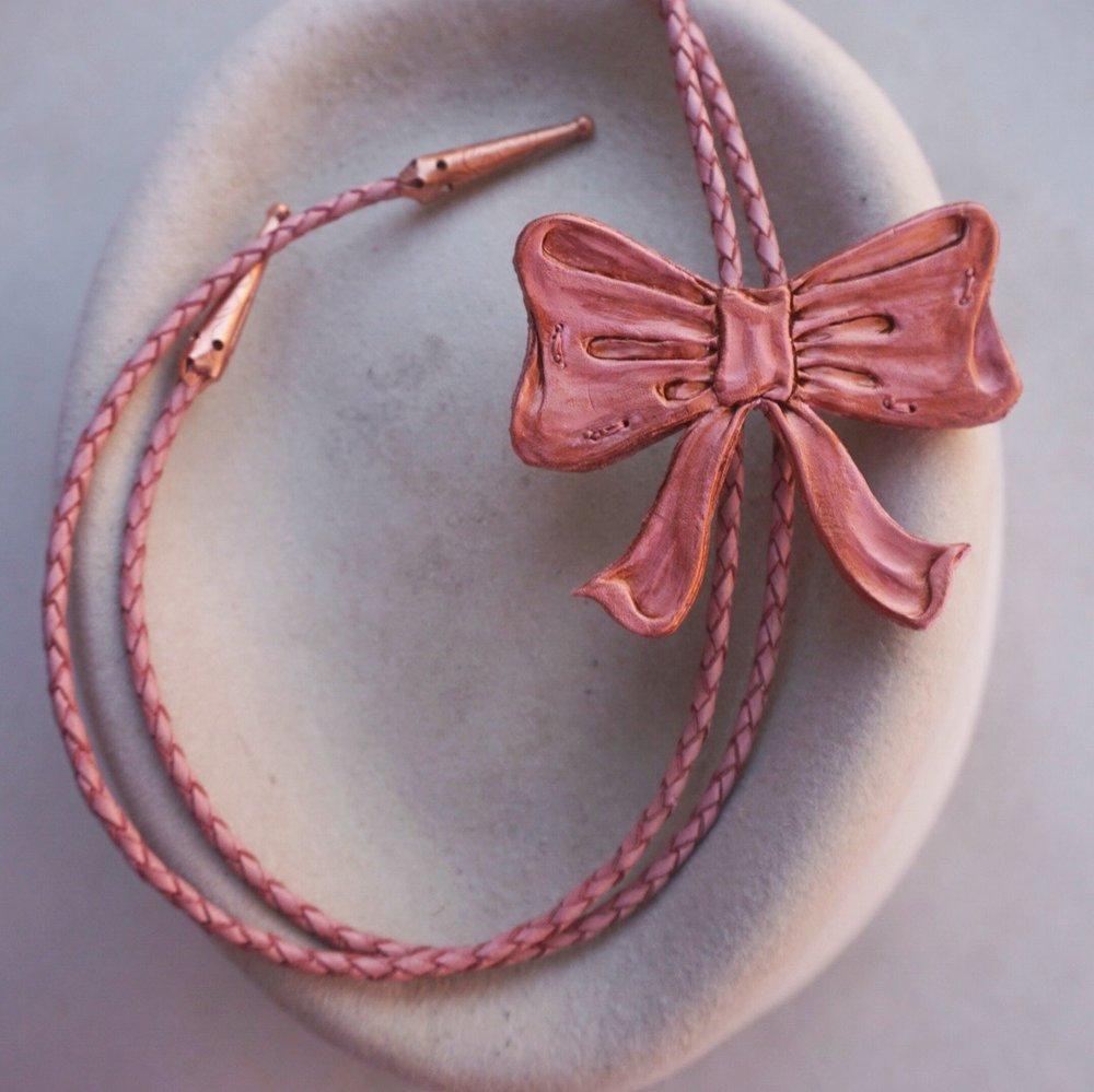 The Bow-Lo Tie