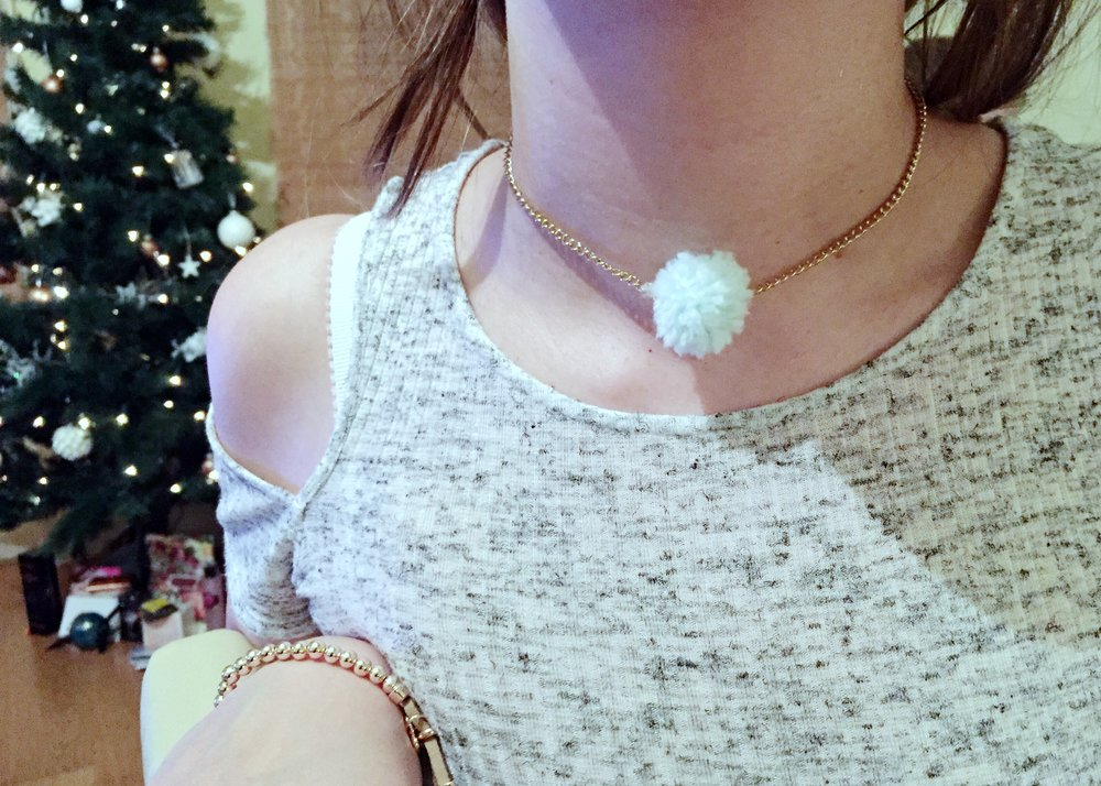 pom pom necklace.jpg