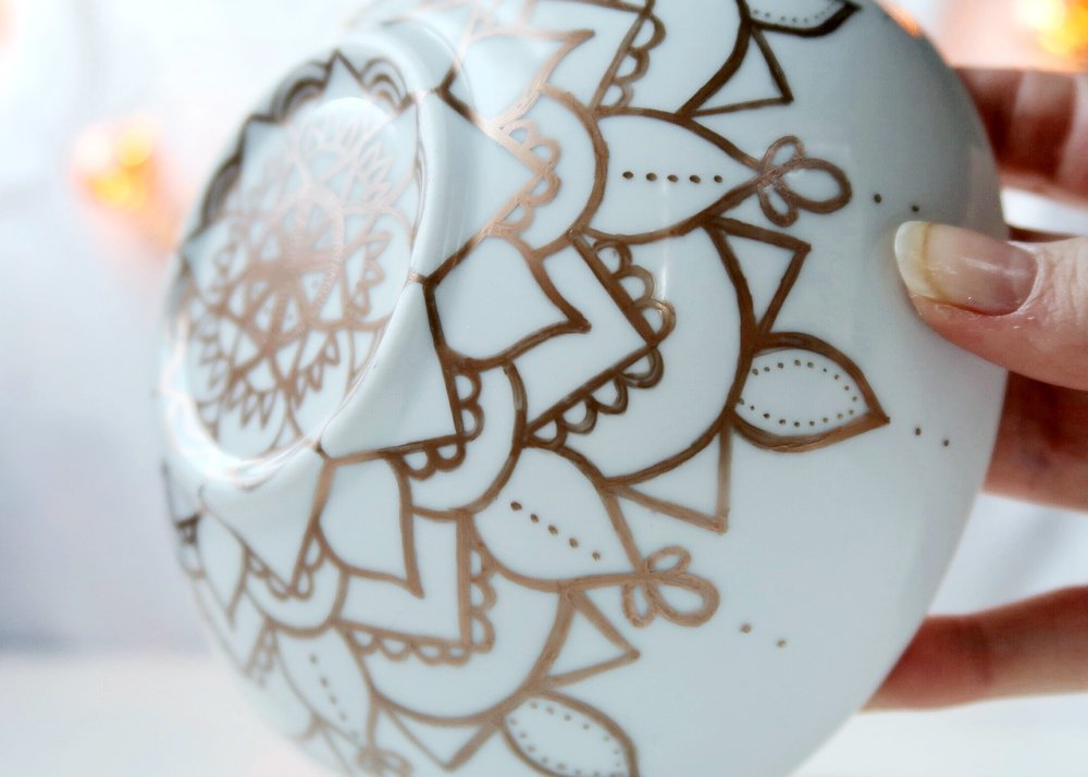 DIY Sharpie Mandala Bowl by Isoscella