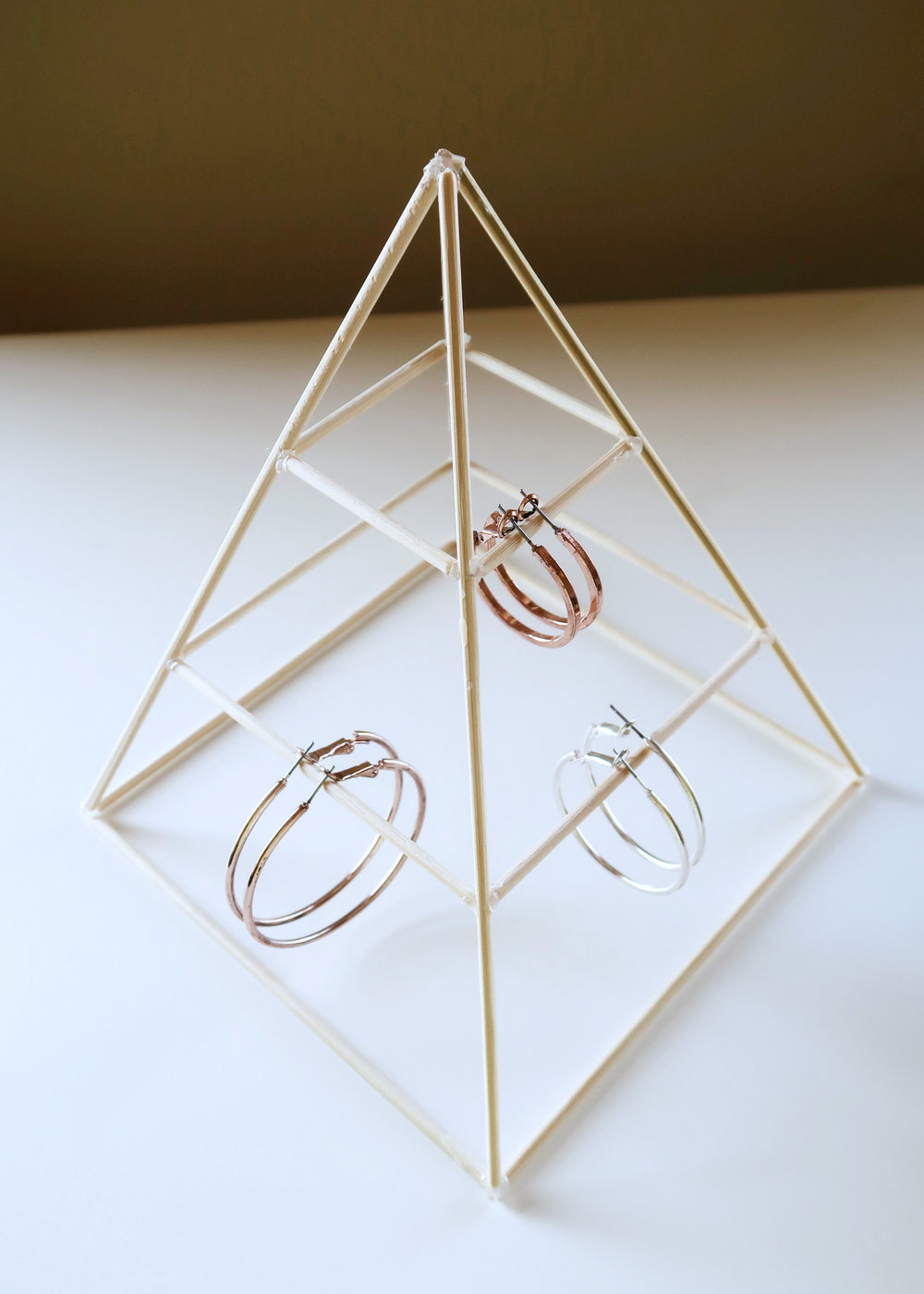 DIY Pyramid Jewellery Stand by Isoscella