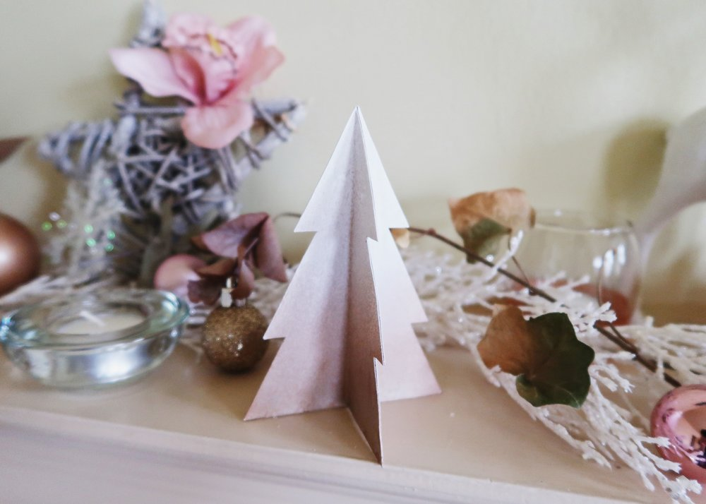 DIY | PAPER CHRISTMAS TREE DECOR