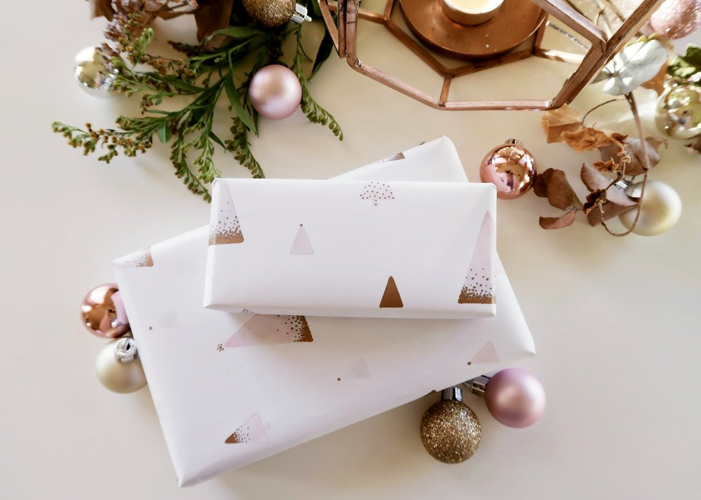 DIY Printable Festive Wrapping Paper by Isoscella