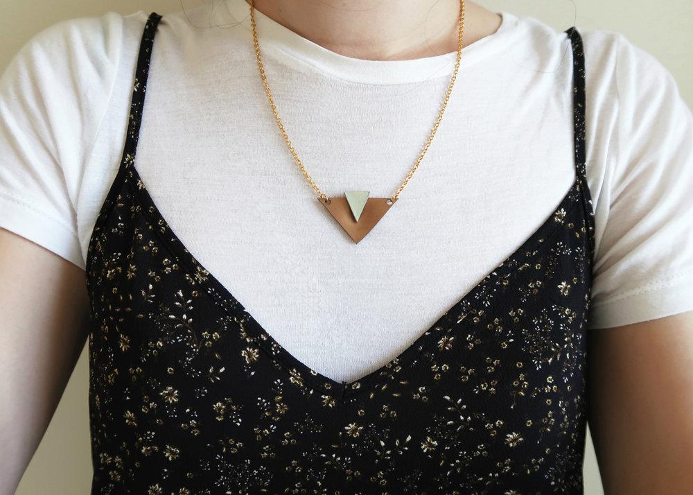 DIY Plastic Geometric Necklace by Isoscella