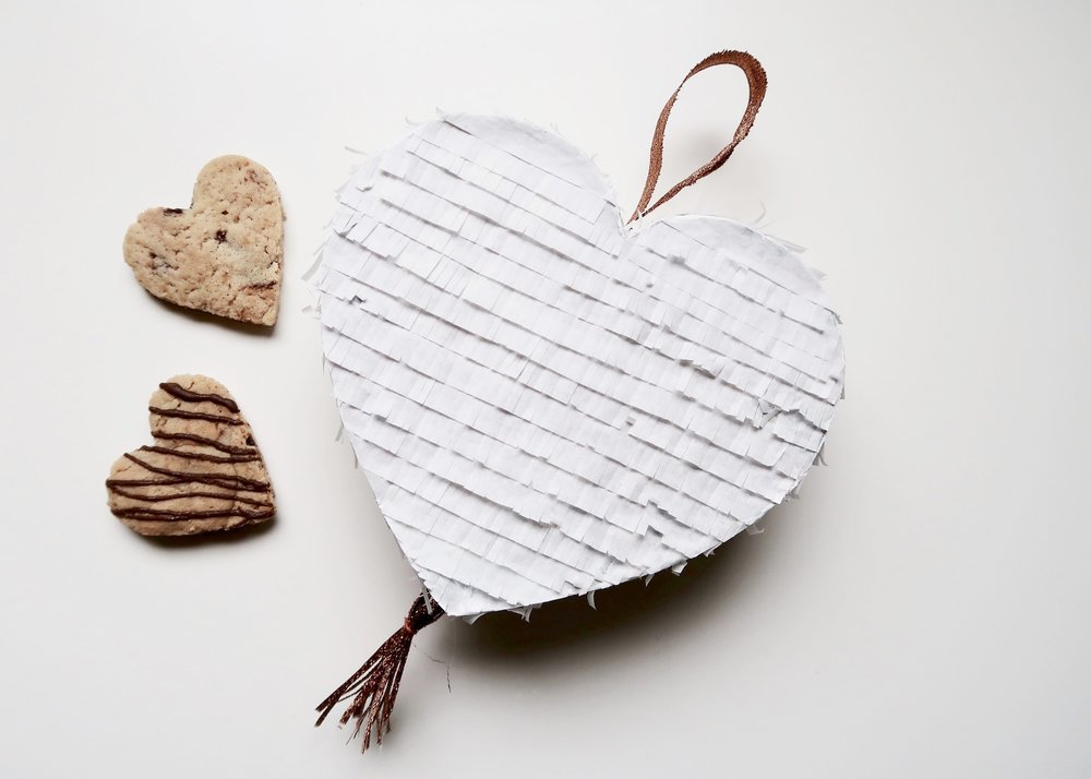 DIY Heart Pinata by Isoscella