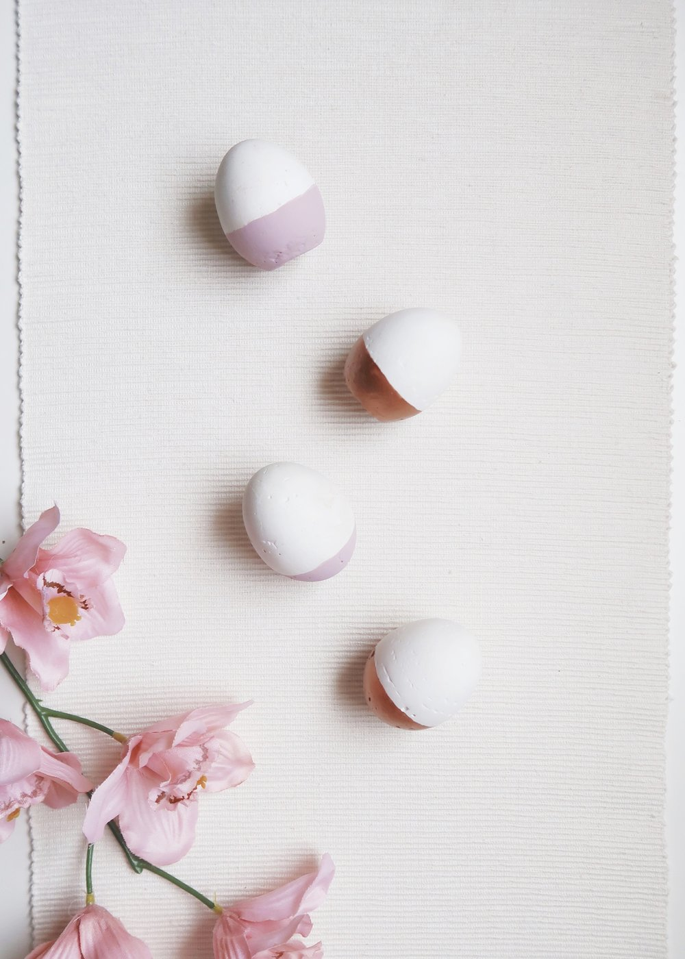 DIY Plaster Easter Egg Decor by Isoscella