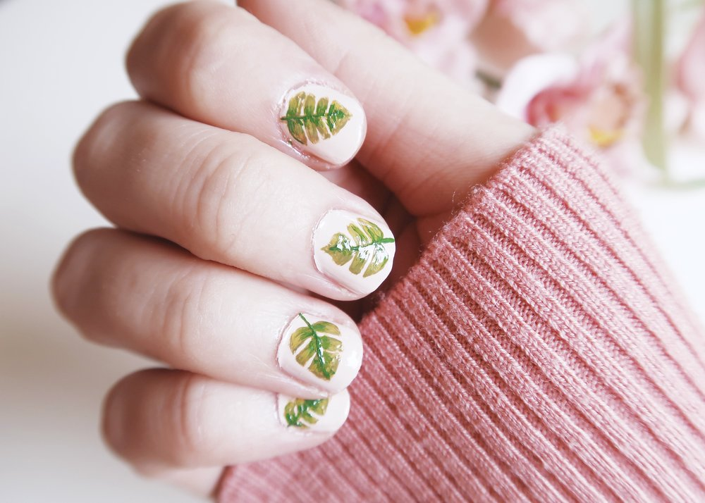 DIY Monstera Leaf Nail Art - Isoscella
