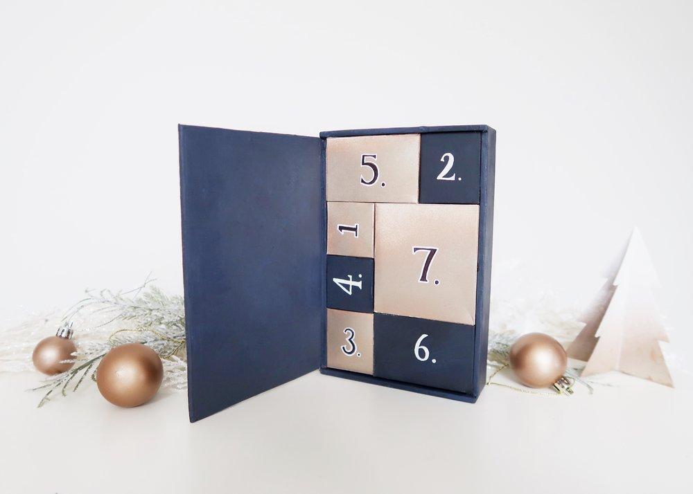 DIY Starry Night Advent Calendar by Isoscella