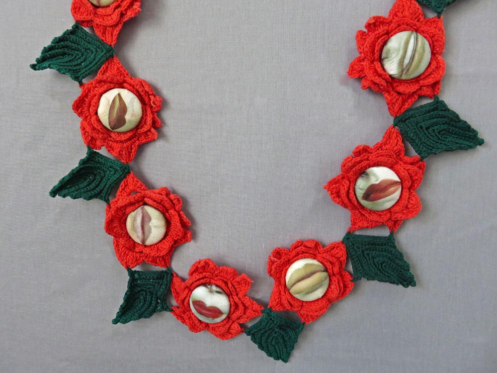 10.-Roses-lips-detail.jpg