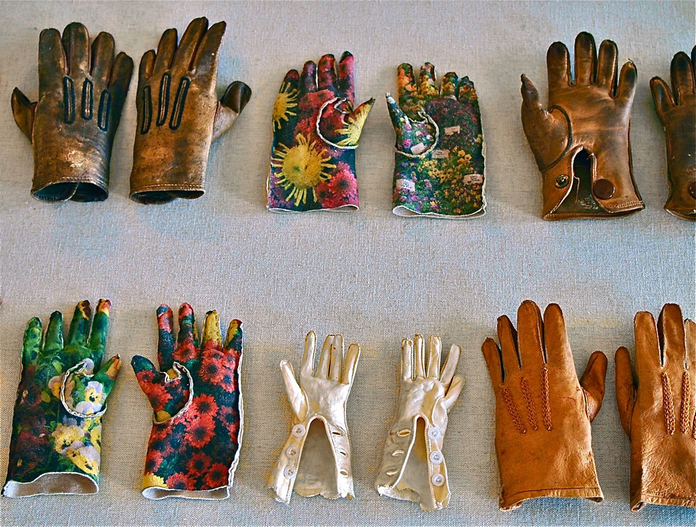garden-gloves-detail.jpg