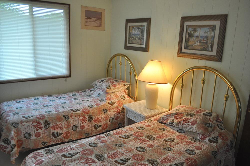 twin beds 2.JPG
