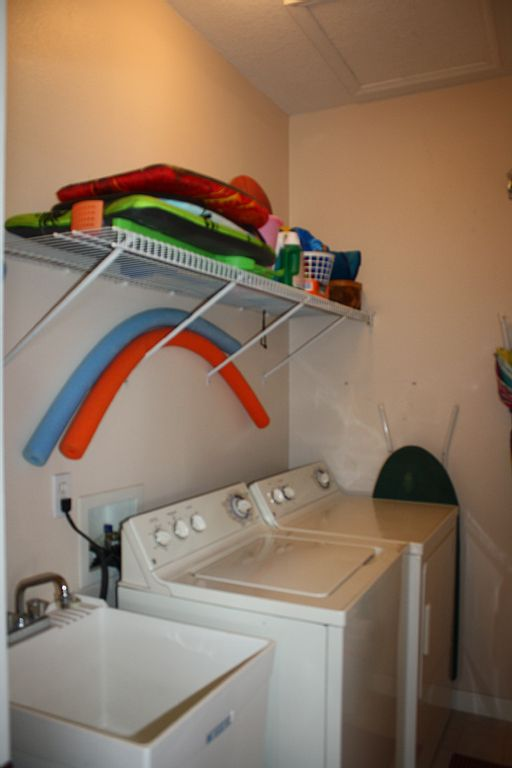 Laundry room new.jpg