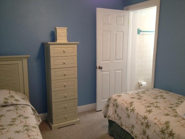 2nd guest room 2.JPG