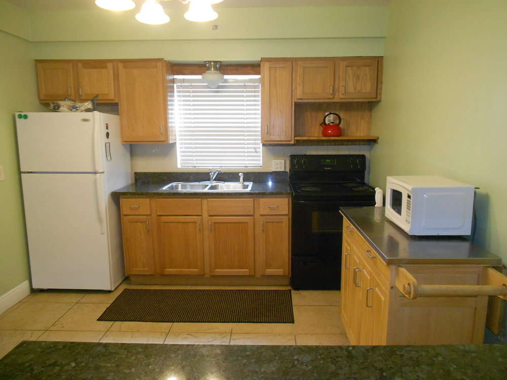 new kitchen 1.jpg